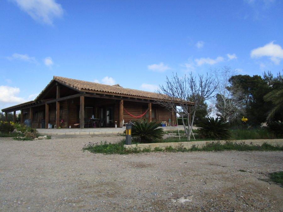 cuesta blanca-paraje molino-leon-casa de madera-fachada-ahora gestores inmobiliarios-AHV-239 (7)